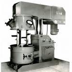 Так мы начинали – первый станок для производства герметиков